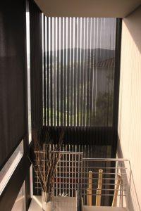 zonnelux-lamelgordijn stof-hoog raam-big