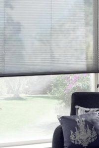 zonnelux-plisse-gordijn-woonkamer-f